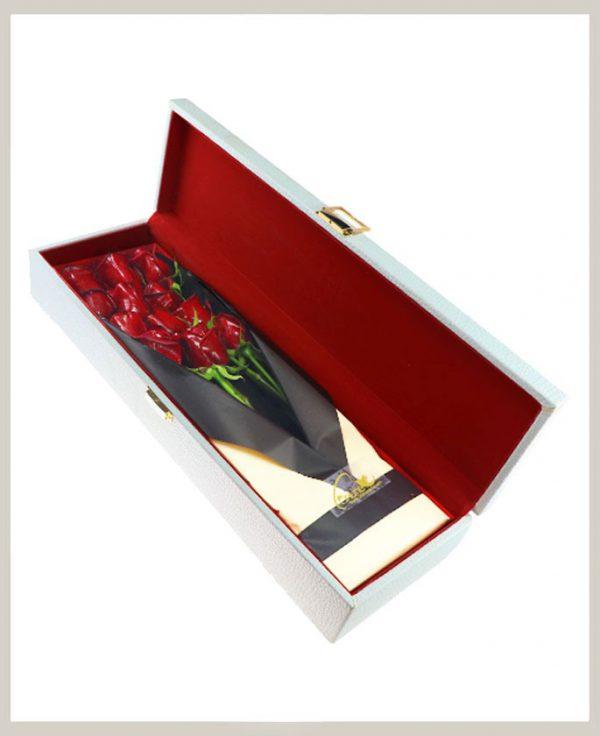 خرید آنلاین و اینترنتی باکس گل رز قرمز مستطیلی با جعبه قفل دار چرمی در تهران از گلفروشی و فروشگاه انلاین شادیچی