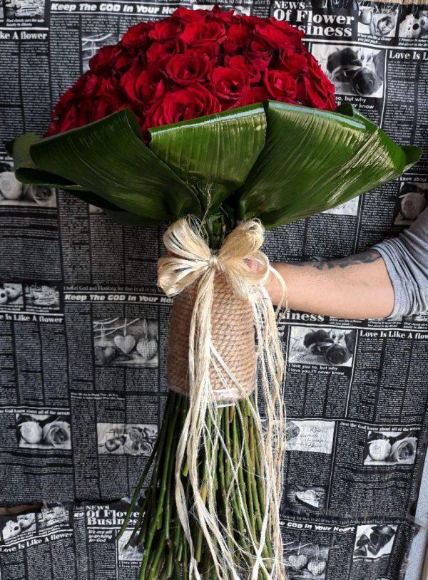 خرید آنلاین و اینترنتی دسته گل رز قرمز بزرگ برای هدیه و خواستگاری در تهران از گلفروشی و فروشگاه انلاین شادیچی