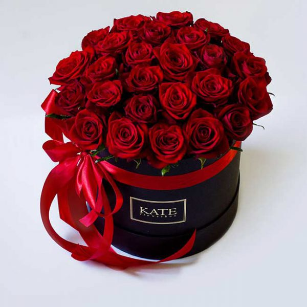 باکس گل رز سرخ با روبان