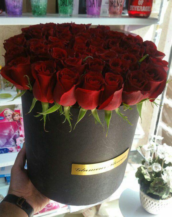 خرید اینترنتی و آنلاین جعبه گل لاکچری استوانه ای رز قرمز در تهران از فروشگاه و گلفروشی انلاین شادیچی