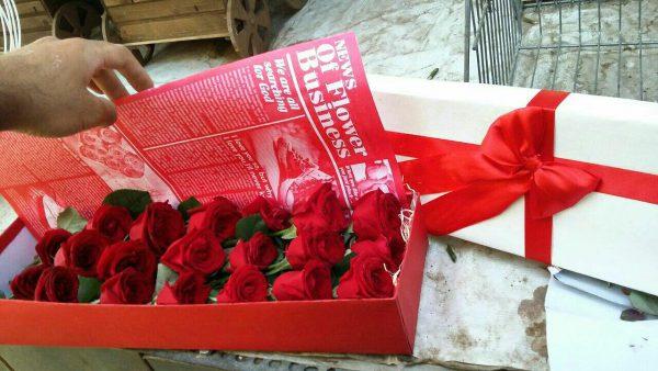 خرید آنلاین و اینترنتی باکس گل رز قرمز با جعبه مکعبی در تهران از گلفروشی و فروشگاه انلاین شادیچی