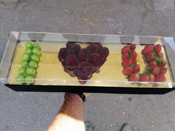 خرید آنلاین باکس گل رز دوستت دارم طرح i love you با جعبه مکعبی در تهران از فروشگاه و گلفروشی اینترنتی و انلاین شادیچی
