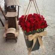 خرید آنلاین باکس گل شیک رز قرمز با جعبه مخروطی در تهران از فروشگاه و گلفروشی اینترنتی و انلاین شادیچی
