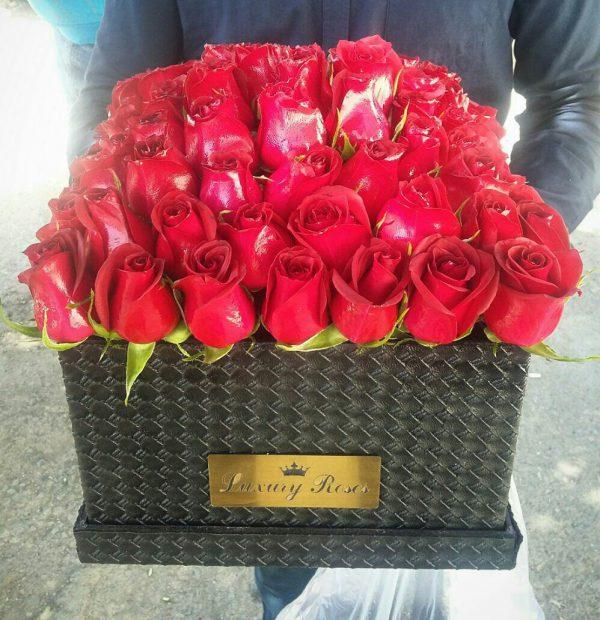 خرید آنلاین و اینترنتی باکس گل چرمی رز قرمز با جعبه درب دار از گلفروشی و فروشگاه انلاین شادیچی