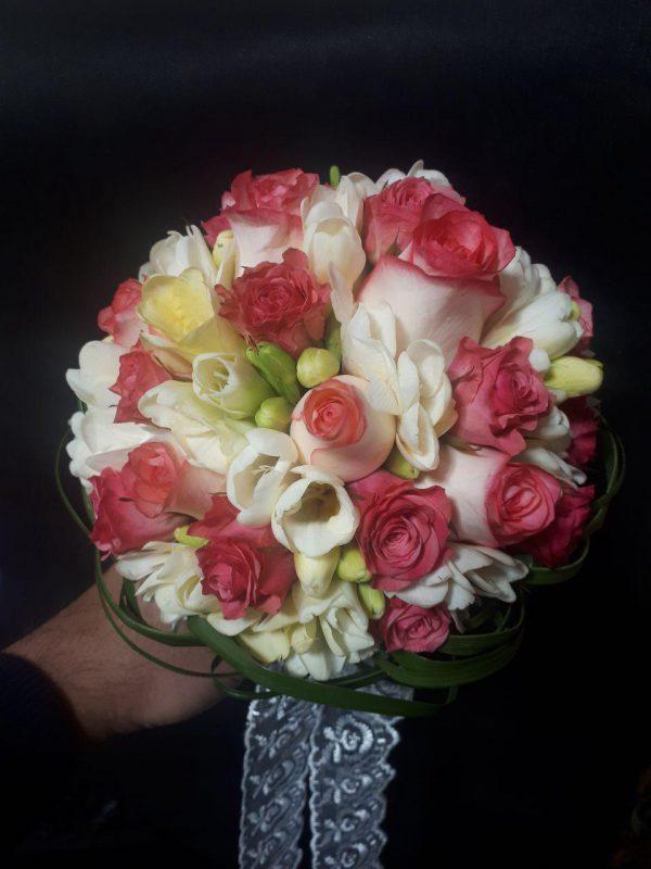 خرید آنلاین و اینترنتی دسته گل قرمز عروسی ژورنال عروس رز قرمز وو سفید در تهران از گلفروش و فروشگاه انلاین شادیچی