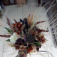 خرید آنلاین و اینترنتی دسته گل عروس با تاج برای جشن عروسی خواستگاری و هدیه در فروش در تهران از گلفروشی و فروشگاه انلاین شادیچی