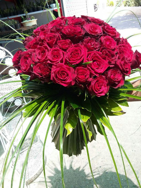 خرید آنلاین و اینترنتی دسته گل رز قرمز برای عروس و جشن عروسی و هدیه و خواستگاری در تهران از گلفروشی و فروشگاه انلاین شادیچی