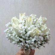 خرید آنلاین و اینترنتی دسته گل رز سفید ژورنال عروس برای جشن عروسی خواستگاری و هدیه در تهران از گلفروشی و فروشگاه انلاین شادیچی