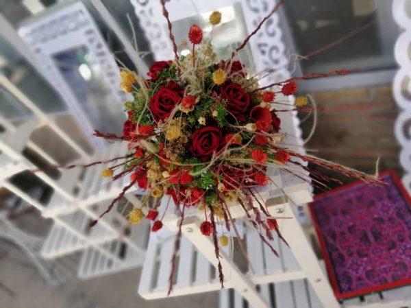 خرید آنلاین و اینترنتی دسته گل رز قرمز با تاج گل عروس برای جشن عروسی خواستگاری و هدیه در تهران از گلفروشی و فروشگاه انلاین شادیچی