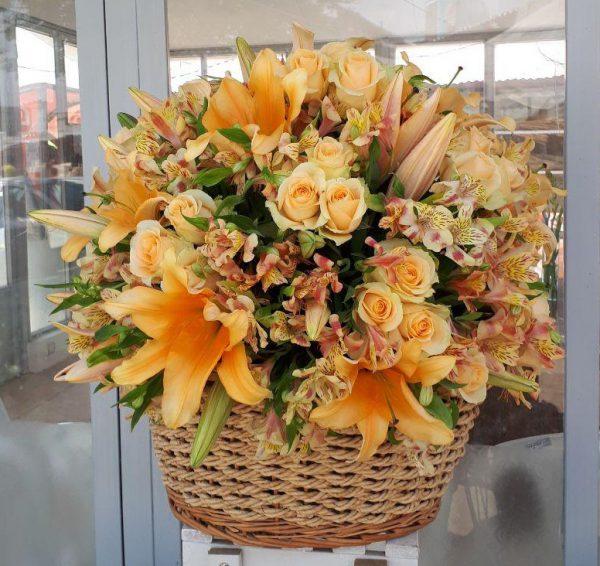 خرید آنلاین و اینترنتی سبد گل حصیری عروس برای جشن عروسی خواستگاری و هدیه در تهران از فروشگاه و گلفروشی انلاین شادیچی