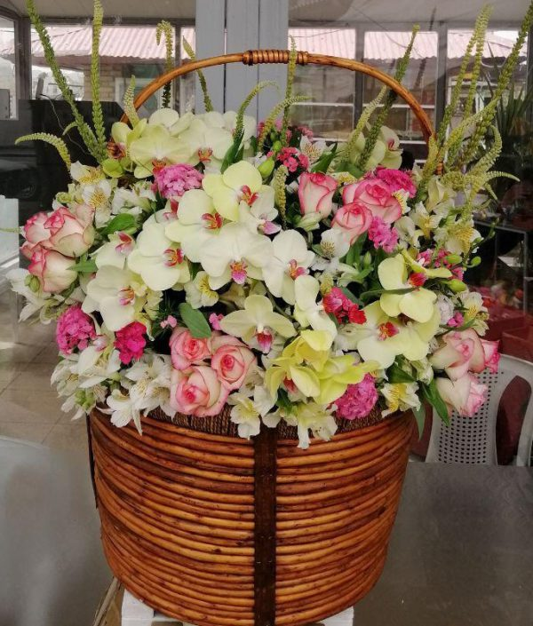 خرید آنلاین و اینترنتی گلدان گل بزرگ در تهران از گلفروشی و فروشگاه انلاین شادیچی