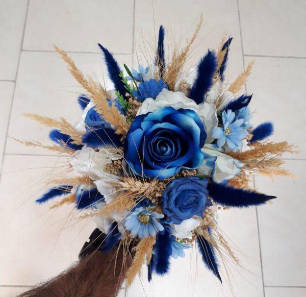 دسته گل رز آبی سفید عروس و خواستگاری