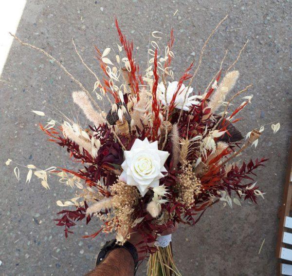 خرید آنلاین و اینترنتی دسته گل ژورنال عروس رز قرمز و سفید برای جشن عروسی خواستگاری و هدیه در تهران از گلفروشی و فروشگاه انلاین شادیچی
