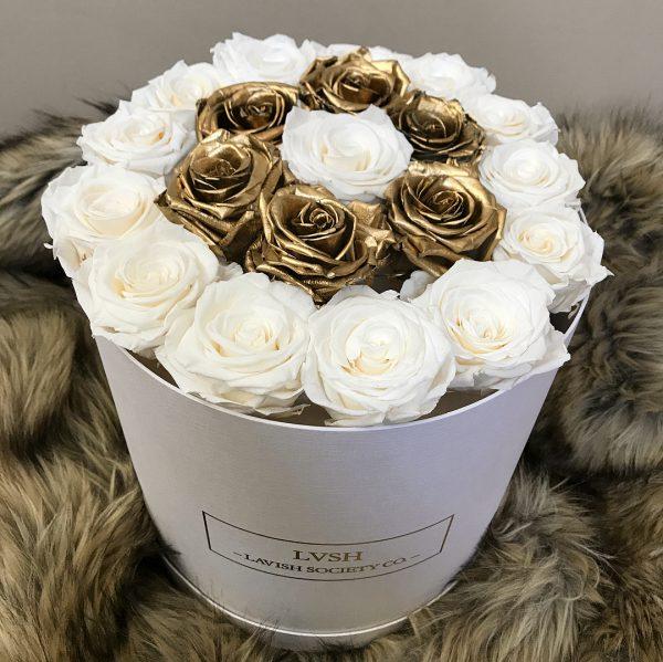 باکس گل استوانه ای هارد باکس با گل رز سفید و طلایی شماره 148